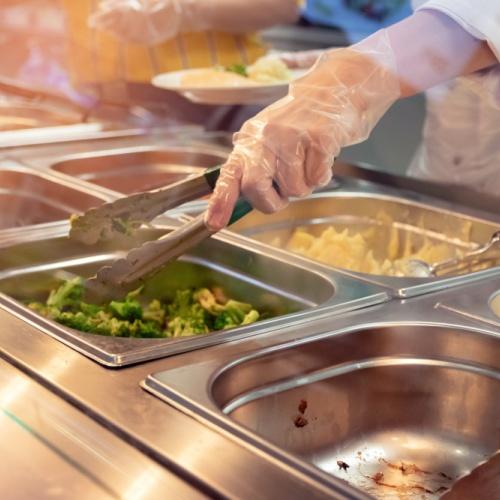 Na oběd do restaurace nebo do kantýny s dietou